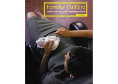 Femme Cuillère