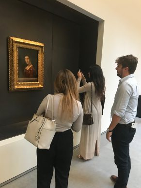 Admiring Leonardo