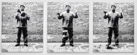 10_Ai_Weiwei_Dropping a Han Dynasty Urn_2015(c)Image_Courtesy_Ai_Weiwei_studio