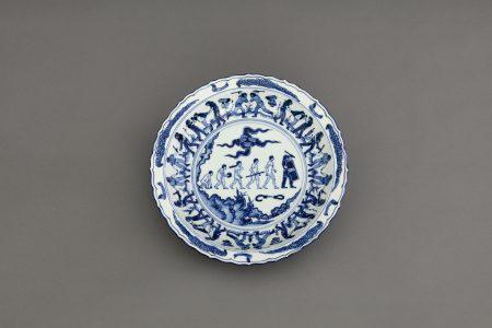 4_Ai_Weiwei_Blue and White Porcelain Plate (Demonstrations)_2017(c)Image_Courtesy_Ai_Weiwei_studio