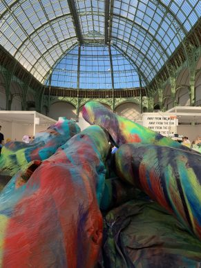The Fiac in Paris attracts Michael Heizer, Hauser & Wirth, a monumental Calder, 100 starfish and an organic gallerist