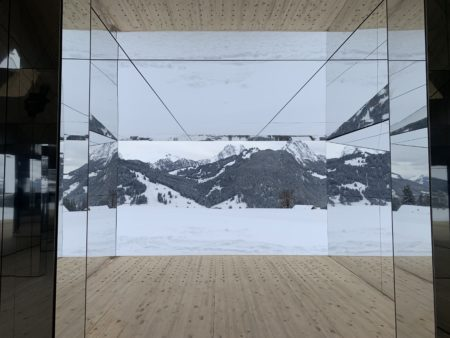 Contemporary art: the great rush to the Swiss Alps, the seasonal epicentre of trade and major debates